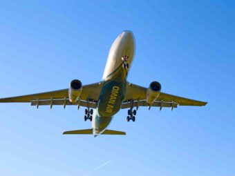 COVID-19: Oman Air announces special flights to UK, Sudan