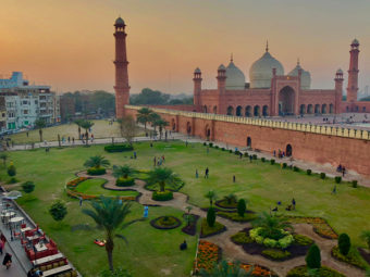 Oman airlines announce flight schedules to Pakistan, Germany